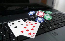 Poker Online Memberikan Pengalaman Perjudian Luar Biasa - Gadis Kasino